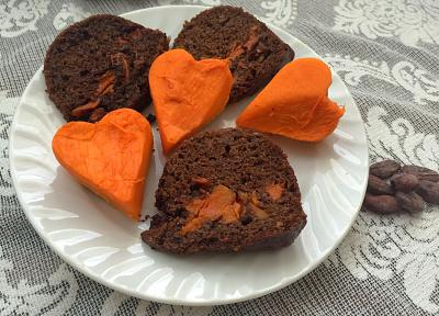 EINKORN CAKE WITH CACAO POWDER AND PUMPKIN